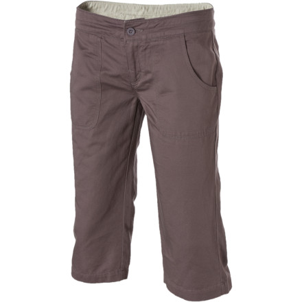 What's so great about The North Face Women's Tropics Knicker is that you get to revel in cool comfort thanks to the lightweight feel and below-knee coverage. While you wander through the streets of a foreign town or simply enjoy a walk with your furry friend on a local pathway, the three-quarter length helps keep you cooler than if you wore a full-length pant but still offers conservative coverage that a short cannot. - $21.98