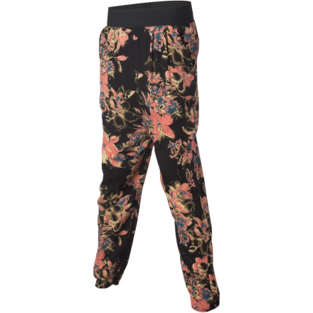 The Nikita Women's Basse Pants shell out enough over-the-top excitement to liven up the most boring wardrobe. Wear these pants when you want an outfit that makes a statement. - $35.97