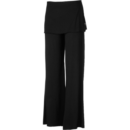 Fitness There's a bit of skirt detail wrapped around the top of the prAna Women's Satori Pant. While some people might not understand why you'd want to wear a wrap over pants, you dig the appeal of a flirty skirt style without the usual skirt limitations. - $79.95