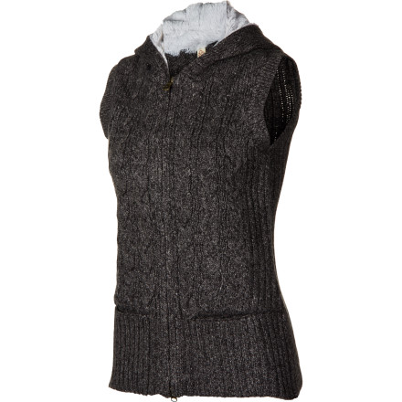 Entertainment When spirals of leaves blow past your window, put on the Aventura Women's Lockhart Vest for an extra layer of warmth before you go outside to groom your horse. - $64.32