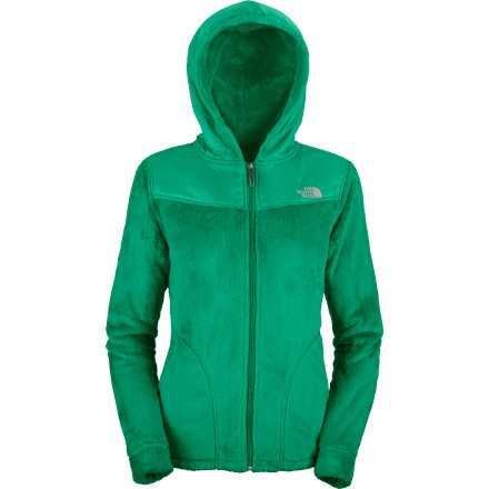Built with uber-plush Silken fleece fabric, putting on The North Face Women's Oso Hooded Fleece Jacket feels a bit like sliding into a warm vat of marshmallow pudding. Keep it handy for when fall's first chill hits the evening air and wear it faithfully through winter's first snow. - $97.97