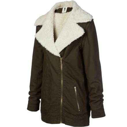 Sports When you wear the Quiksilver Women's Central Jacket, there's no need to rush to the car after a soccer or football game to warm up. Its cool style, exceptional warmth, and zip-off sleeves provide you with a versatile jacket for autumn. - $54.00