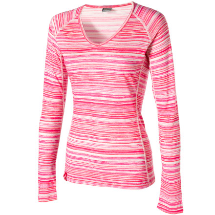 The Icebreaker Women's Body Fit+ 200 Oasis V Ripple Long Underwear Top hugs your body to wick moisture away from your skin and reduce odor. - $67.46
