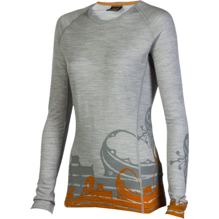 When the leaves begin to change and flutter to the ground, slip on the Icebreaker Women's BodyFit 200 Oasis Script Crew. Made with breathable, warm merino wool fabric the Oasis offers you moisture management, a body-hugging fit, and feminine graphics. - $49.47