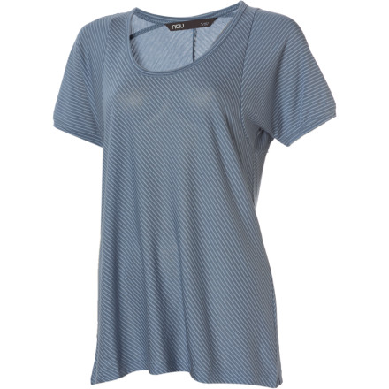 The NAU Women's Ayre Short-Sleeve Top combines the look of a fashion top with the comfort of a performance top. Wear this shirt on warm-weather days when you want a clean, sophisticated look that works with almost anything. - $28.98