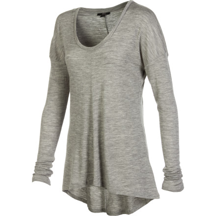 The EMU Women's Toora Long-Sleeve Top is smooth, soft and so comfortable you'll forget that your're wearing anything at all. Slip into this shirt when you want a clean, beautifully simple look, and a truly great feel. - $64.32