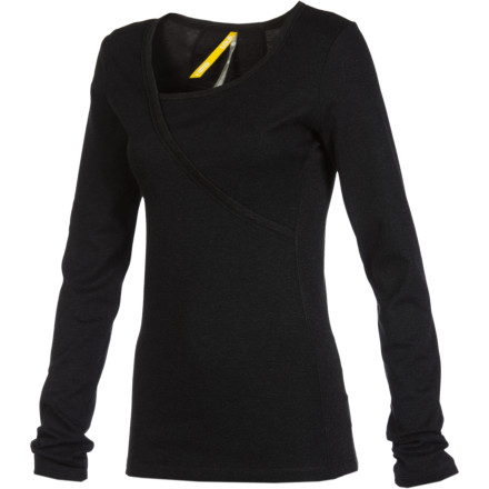 Thanks to the Lole Women's Candid Long-Sleeve Top's cling-free fabric, you won't be wearing the napkin you used at the coffee shop home with you. Lole uses earth-friendly, soft, smooth fabric to keep you comfortable while you travel, sip coffee, or multi-task at work. - $34.96