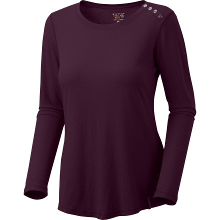 Spice up your outdoor wardrobe with the addition of the Mountain Hardwear Women's Parika Long-Sleeve Shirt. This soft, all-cotton top delivers comfort whether you're hanging out at the rock or around the back yard. - $22.72