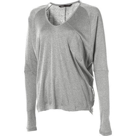 The NAU Women's Ribellyun Long-Sleeve Top has an easy, graceful style that lends itself to evenings of good wine and even better conversation. Dolman sleeves taper to a fitted forearm while the organic cotton and Tencel blend creates a sensual drape. It's a look that is sophisticated yet playful, earthy yet ephemeral. - $79.95