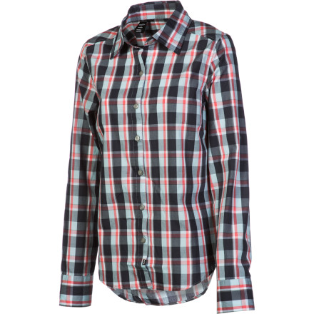 Wear the best of both worlds with the Oakley Women's Shralp Woven Shirt. Its long boy-style cut looks relaxed and casual, and its slim fit gives you the flattering shape you've been looking for. - $33.60