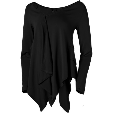The prAna Women's Ruffle Long-Sleeve Wrap steals the show from wannabe reality stars. Apparently, as you stepped out of the juice bar, a sort-of celebrity was right behind you. But instead of the paparazzi focusing on her, they were all about you in this elegant ruffle wrap. The Ruffle has a long layered ruffle back, lightweight fabric, and stellar drape that turns you into a fashion-forward gal worthy of gossip mags street style photo section. - $42.48