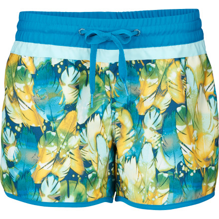 Surf After ripping some waves, drop your board in the sand and reach for the nearest pineapple, stopping only to take compliments on your The North Face Women's Hera Board Short. With a playful print that reflects your attitude, this board short frolics in the waves and all along the shoreline with you during your endless summer. - $29.22