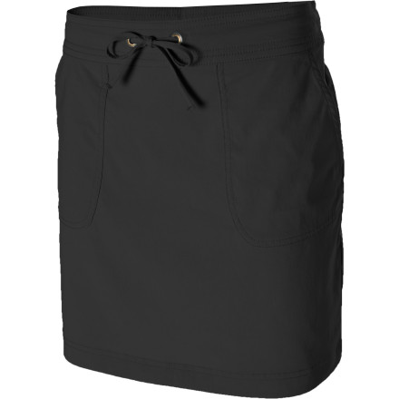The prAna Women's Bliss Skirt allows you to hit the road in lightweight comfort and style. Its quick-drying, moisture-wicking, stretchy Performance fabric cleverly disguises the Bliss as casual wear. UPF-50-rated fabric helps shield you from the sun's harmful rays, while the Bliss's deep pockets and wrinkle resistance fabric makes it ideal to use while you fly, drive, or backpack throughout Central America. - $34.97