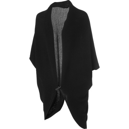Wrap the EMU Women's Thalee Cardigan around yourself before you step into the restaurant and try to figure out which one of these people is your blind date. You hope it's the sexy one at the bar sipping whiskey. You deserve someone sexy especially considering how you look tonight. Also, you really like whiskey. - $74.47