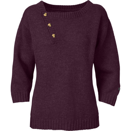The North Face Women's Willow Grove Sweater specializes in keeping you looking fresh, cozy, and warm while you gather with your friends around the bonfire, reminisce about old times, and make new memories. - $48.97