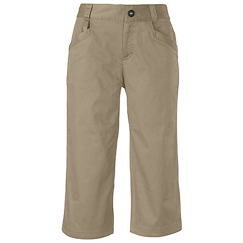 Free Shipping. The North Face Women's Union Capri DECENT FEATURES of The North Face Women's Union Capri Hand pockets Back zip security pocket U-lock belt holster Reflective elements on rear pocket Reflective logos Key loop/hook at front pocket The SPECS Average Weight: 13.4 oz / 380 g Center Back Length: 18.5in. 185 g/m2 (5.45 oz/yd2) 97% cotton, 3% elastane This product can only be shipped within the United States. Please don't hate us. - $79.95