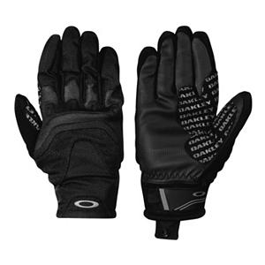 Snowboard Oakley Revert Storm Gloves - Keep your hands warm, dry and comfortable with the Oakley Revert Storm Gloves. You will get superb grip and the Polyurethane palm will give you maximum traction when holding your poles. A combo of PU coated rib span and stretch softshell with a waterproof membrane ensure your hands stay nice and dry. The performance neoprene knuckles give you a comfortable range of movement. The hook and loop closure on the Oakley Revert Storm gloves ensure you get a secure and comfortable fit. . Removable Liner: No, Material: Polyurethane Coated Rib Span and Stretch Softshell, Warranty: One Year, Battery Heated: No, Race: No, Type: Pipe Glove, Use: Ski/Snowboard, Wristguards: No, Outer Material: Softshell, Waterproof: Yes, Breathable: Yes, Cuff Style: Under the cuff, Down Filled: No, Touch Screen Capable: No, Model Year: 2013, Product ID: 291838 - $60.00