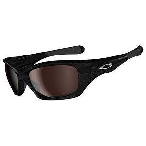 Snowboard Oakley Pit Bull Polarized Sunglasses - Aggressive contours of lightweight O Matter frame material give Pit Bull a look that's pure Oakley. The bold, sculptural earstem stake advantage of dual cam hinges, along with Unobtainium earsocks and nose pads that increase grip with sweat. Pit Bull comes with the all-day comfort of a Three-Point Fit and a look that makes ordinary frames just muzzled mutts of style. Oakley did a lot of innovating before they let this one out of the kennel, and you'll appreciate the High Definition Optics that let Oakley Pit Bull shred ANSI Z87.1 standards for optical precision and performance. A full 8.75 base lens curvature extends your peripheral view and improved side protection. Features: Precision and durability of sculpturally integrated hinge mechanisms with dual cam action, Three-Point Fit: holds lens in precise optical alignment for comfort and performance, Unobtainium Earsocks and nosepads for added comfort and performance. Best Use: Multisport, Lens Material: Plutonite, Frame Material: O Matter, Polarized: Yes, Photochromatic: No, Interchangable Lens: No, Additional Lenses: No, Gender: Adult, Face Size: Medium, Nose Pads: Yes, Warranty: 1 Year, Lens Type: Polarized, Product ID: 232507, Frame Shape: Rectangle / Wrap - $190.00