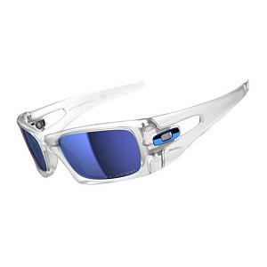 Snowboard Oakley Crankcase Polarized Sunglasses - Whether you find yourself active or just roaming around the city, the Oakley Crankcase Polarized Sunglasses will keep your eyes free from the glare of the sun and protect them from wind and flying debris. Created with lightweight O Matter frame, the Crankcase is stress-resistant, durable and comfortable. It also is designed with a Three-Point-Fit which holds the lens in precise optical alignment for comfort and you won't lose your focus. You'll have High Definition Optics to ensure clarity wherever you're looking. These polarized lenses combined with an Iridium coating will ensure minimal glare and a clear view. Coated with Plutonite materials, this will filter out 100% of harmful UV rays and blue light to keep your eyes protected from the harmful rays of the sun. Look sharp and be prepared for the elements with the Oakley Crankcase Polarized Sunglasses. . Bearing Grade: High Performance, Best Use: Streetwear, Lens Material: Plutonite, Frame Material: O Matter, Polarized: Yes, Photochromatic: No, Interchangable Lens: No, Additional Lenses: No, Gender: Adult, Face Size: Small, Nose Pads: No, Warranty: 1 Year, Lens Type: Polarized, Model Year: 2014, Product ID: 270397, Frame Shape: Rectangle / Wrap, Model Number: OO9165-09, GTIN: 0700285562186 - $170.00