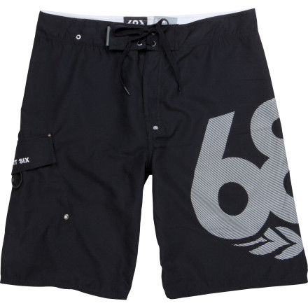 Surf Grab a buoy when you're wearing the 686 Men's Classic Board Short. Nice work. Now kick back and relax, you had a tough morning. These shorts will dry quick so you won't have to suffer from swamp-butt when you finally hop in your car for the long ride home from the beach...Laguna, that is. - $30.22