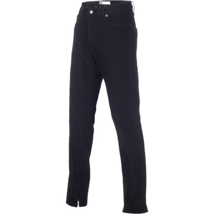 A DWR treatment gives the Analog Summit Winter Denim Pants a technical edge over everyday, boring jeans. Moisture beads up and rolls off these super-power pants to keep you dry if you get caught in the snow, while the flannel lining adds a layer of warmth. - $62.48