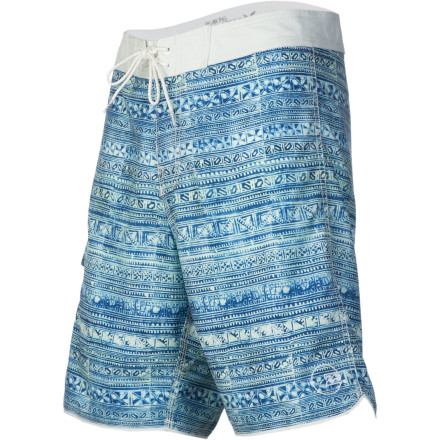 Surf Go for a timeless look with the Billabong Batik Men's Board Short. The traditional Javanese-style Batik print adds a South Pacific vibe, and the Short Cut fit sits just above the knee for classic style. - $41.21
