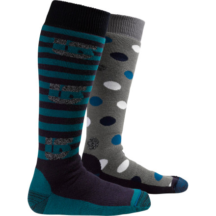 Snowboard More things should come in twos. The Burton Women's Weekender 2-pack Sock covers your feet with two days' worth of quick-drying comfort and support. - $29.90