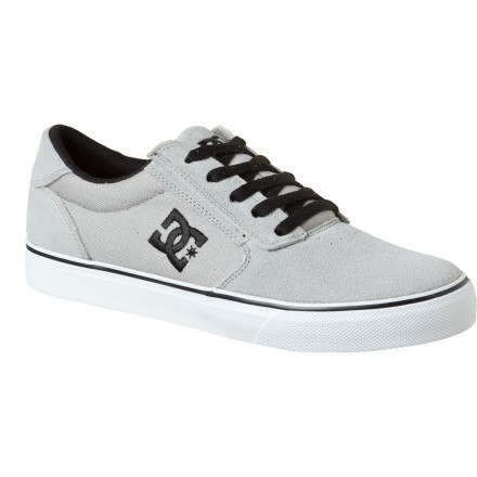 Skateboard High-society bootleggers won't know what hit them when you drop in on their upscale shindig, unannounced, with the DC Gatsby 2 Skate Shoe. Considering this shoe's great style, vulcanized sole, and seam-free toe box, not skating in it would be a tragedy. - $41.25