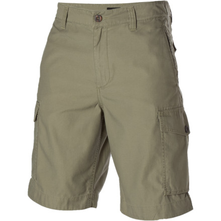 The DC Barricade Short fuses outdoor style with functionality for exploring the city. Durable material, plenty of storage, and a long cut ensure that nothing can stop the Barricade. - $27.23