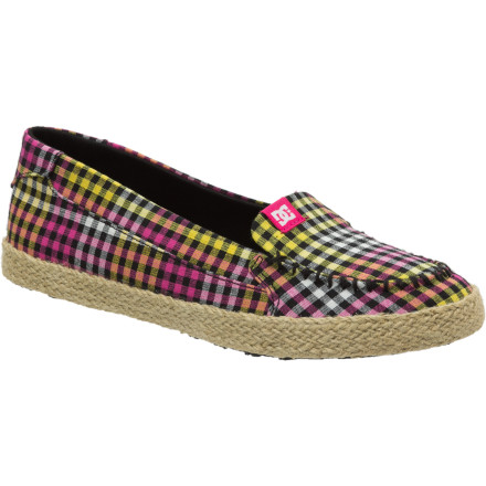 Skateboard Slip into the DC Women's Villainess Jute SE Shoe and slip out the door as quietly as a mouse when you need to make a low-profile escape from class, work, or your soon-to-be-ex's pad. - $36.00