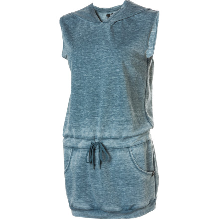 Entertainment Inspired by the hot sunny days and cool nights of the mountains that surround the Tahoe area, the DC Women's Reno Dress blends a lightweight, airy feel with ample coverage from head to waist when a slight breeze hits the shoreline. - $36.00