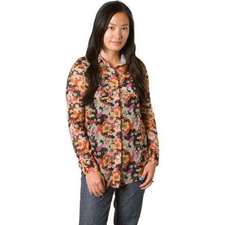 Entertainment Just because you have to dress up doesn't mean you have to look like a school teacher from the 1800s. The Element Women's Long-Sleeve Lucca Shirt gives you a polished look that is anything but boring. - $9.89