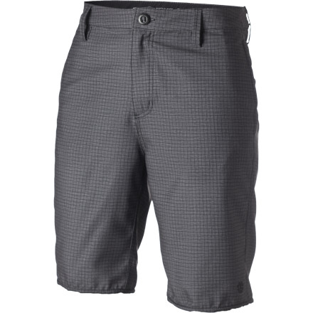 Skateboard Your plan was to skate on the pier, but the cops came to shut you down and the water-friendly Element Grid Hybrid Short was there to help you succeed in your aquatic getaway. - $35.67
