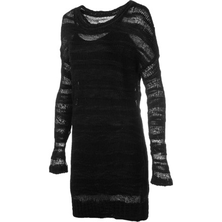 Entertainment The Element Dominique Dress has a casual, laid-back feel that is timeless and sexy. Wear this dress with boots and leggings for an edgy look or pair it with heels when you want to dress your style up. - $41.70