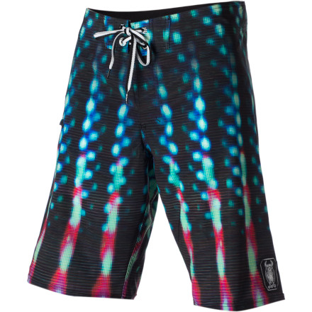 Surf The ERGO Wrapped Board Short features easy-moving stretch poly fabric and a 22-inch outseam for plenty of coverage. - $38.37