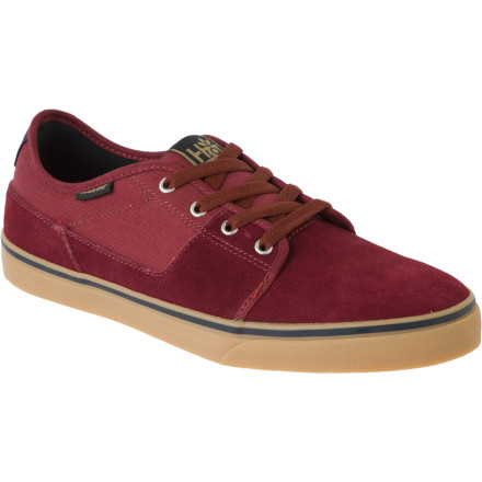 Skateboard Ever since the local Chinese restaurant hired you to catch cats, you've been able to put a little change away. It's time to treat yourself. The Habitat Quest Skate Shoe is the perfect reward. They look good, feel good, and they help you chase down kitties. - $49.56