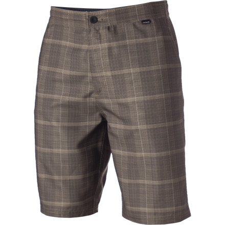 Surf The Hurley Mariner Boardwalk Short goes from surf to skate to sushi without missing a beat. Quick-drying fabric and classic cargo styling make the Mariner versatile enough to wear anywhere there's water or land. Which should pretty much cover all the places you'd want to hang out. - $30.22