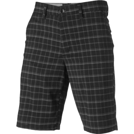 Surf Throw the Hurley Baltimore 2.0 Walkshorts on when you want a relaxed look that is great for backyard barbeques and weekend sports bar excursions. - $24.73