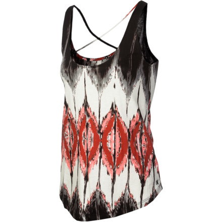 Surf Let your body move to the beat when you wear the Hurley Women's Zahara Tank Top. Its flowy fit keeps you comfortable when you dance, while its criss-cross strap details shows off your toned back. - $26.51