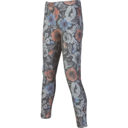 Surf The Insight Pocket Full of Posies Legging may be visually stunning, but you may be more impressed by its comfort. As you wander about completely distracted by its softness, the bold style will put you front and center wherever you go. - $13.98