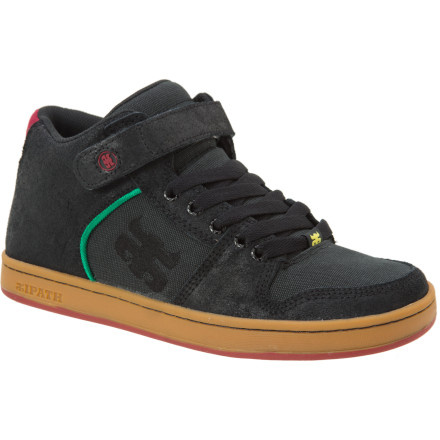 Skateboard Young master there is still so much to learn, but in the IPATH Grasshopper Skate Shoe your technique with flourish. Mid-profile, strapped for style and extra support, and made to last, this skate shoe chops down the nonsense. IPATH used premium materials for comfort and durability, and added padding in critical areas to make sure the Grasshopper Skate Shoe doesn't betray you like a treacherous ninja. - $63.96