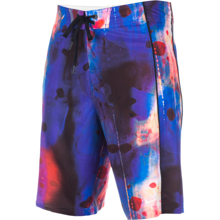 Surf A fine specimen indeed. The NikeLegacy Specimen 21in Board Short goes hard in the water and easy on the earth using recycled polyester. - $44.97