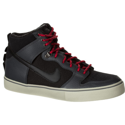 Skateboard The Nike Dunk High LR WS Shoe offers extra protection from winter weather without sacrificing style or comfort. - $59.97