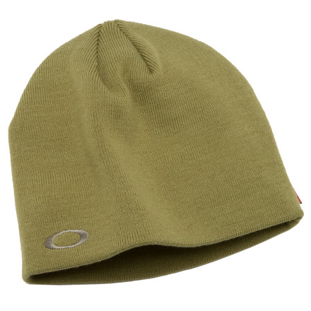 The Oakley Fine Knit Beanie 3.0 has a long techy name, but a simple, clean style. The cotton/acrylic blend tightly woven cap has been treated with a weather-resistant Scotchguard coating. Although the Fine Knit takes cues from the street, this hat will keep you dry during a sudden mid-afternoon squall. The Fine Knit has a tight, close fit. - $22.00