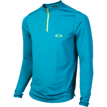 Ditch that stinky ol' cotton tee you've been wearing as a baselayer for the past few winter seasons and reach for the Oakley Men's Great Ascent Top. Stretchy fibers give this top comfortable flexibility, and the light weight means you won't be overheating on the skin track or on mild days at the resort. - $40.00