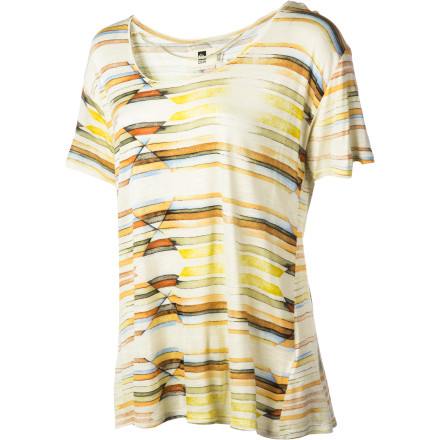 Like the easy warmth of a ray of sunshine, the QSW Women's Midtown Sunrise Scoop Crew will soothe your soul. A relaxed fit, carefree scoop neck, and radiant print force your mind to mellow and your lips to smile. - $36.40