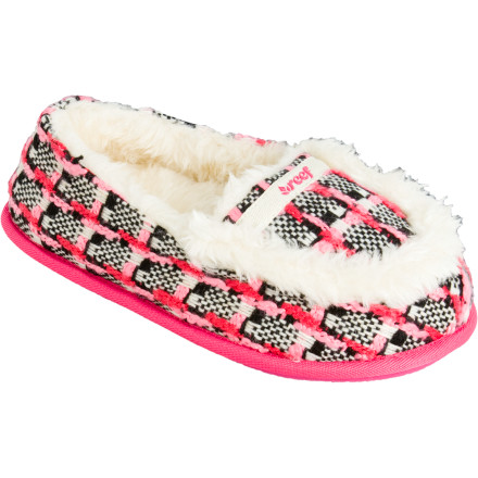Entertainment The Reef Girls' Cuddler Slipper does just that--cuddle young feet into a state of utter contentment. Reef's comfy flip flop soles and fabulous sherpa lining come together to make a shoe that's just right on a chilly day. Metallic threads add some girly attitude. - $15.57