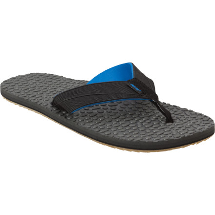 Surf With its water-channeling, pebbled EVA footbed, the Reef Thermo Ahi gets your foot as close as possible to the feeling of standing on top of a wax-textured surfboard. The Thermo Ahi's anatomical arch support and high-traction outsole also ensure non-slip comfort. - $20.97