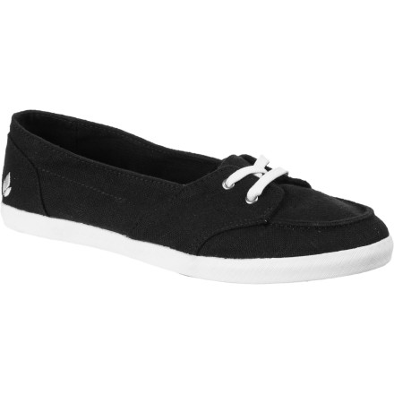 Surf Look no further for your alt-sandal footwear than the Reef Women's Deckhand Shoes. Your need for casual yet comfortable shoes that pair with a casual short and tee outfit as well as a skinny jean and button-up dinner get-up is answered with the Deckhand. - $32.37