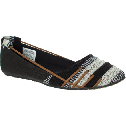 Surf It doesn't matter if you live on the coast, near a river, or inland lakes, water rejuvenates your soul and the uniquely styled Reef Women's Rich Waters Shoe rejuvenates your look. - $52.16